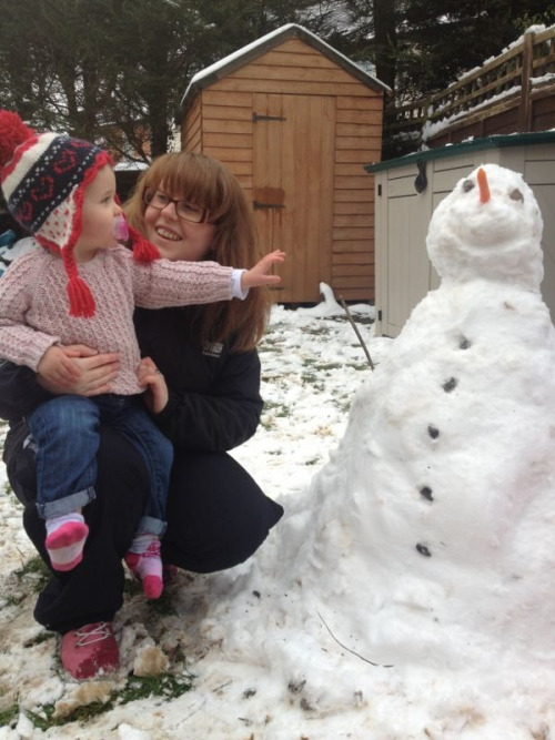 Mummy's finished the snowman
