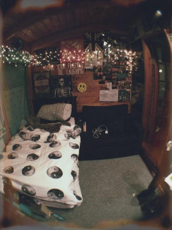 lights Cool music beautiful hipster vintage room indie dreams Grunge Teen bed lovely dark england teenager posters flag British soft small jing jang