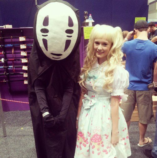 prettymoongirl:  Me on the weekend with no face! At Supanova n_n