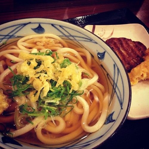 Our first meal in Japan. 😋 #japan #udon #onomnom #legit #handmade #kamaboko #ebifry #yummy #dinner #lastnight #latepost #asian #cute #kawaii #kawaiicomplex