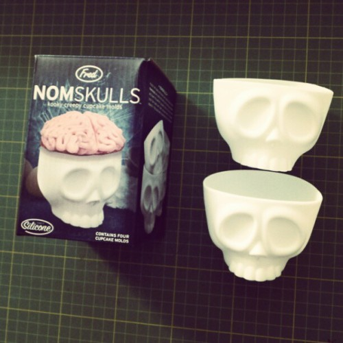 Nom nom! Make your muffins and cupcakes with these spooky cupcake moulds. #food #nuns #studionuns #mayplt