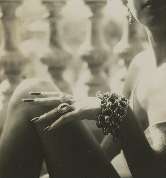 sistersofmoon:  Jacques Henri Lartigue, Florette à Cannes 1942