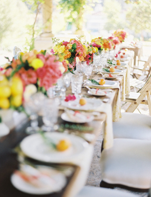 inspiration-guide:  fresh & bright table setting