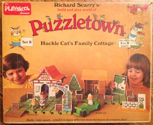 dynamoe:  Forget it, Jake. It's Puzzletown. via vintagetoyarchive  Oh crap. I've played with this.