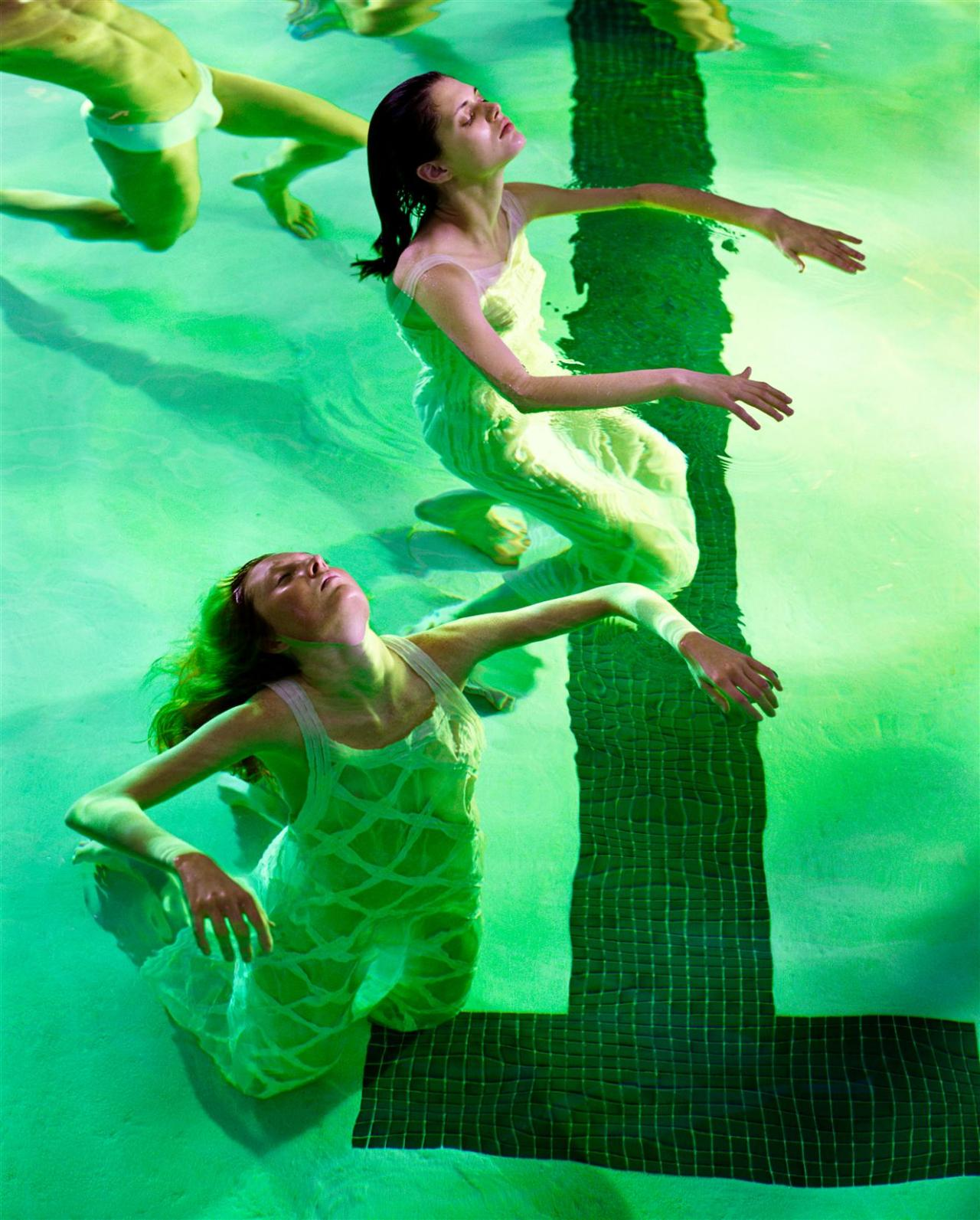 "labsinthe:  ""Floating"" photographed by Steven Meisel for Vogue Italia"