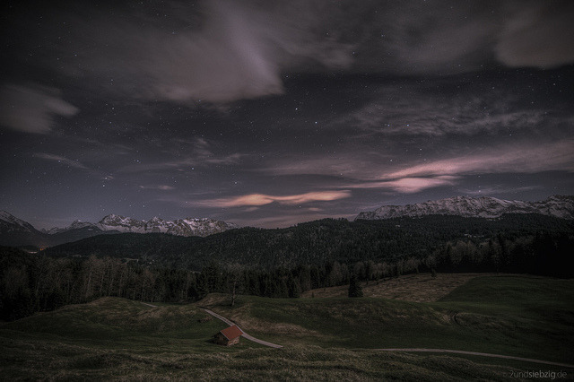 forbiddenforrest:  Nightview to Karwendel by 2undsiebzig.de on Flickr.