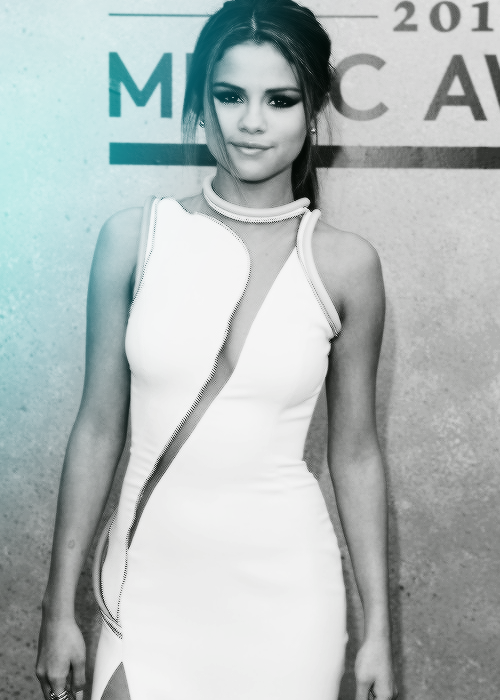 Selena Gomez in Billboard Music Awards Photos