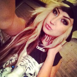 #TWDC #allisongreen #millionaires #snapback #hapa #hapagirls  (at The Rock)