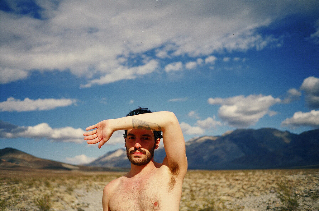 shirtlessboys:  (by JuliaBrokaw)