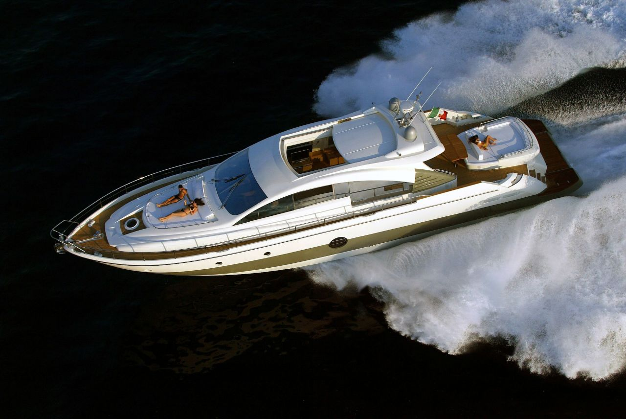click here for superyachts on facebook