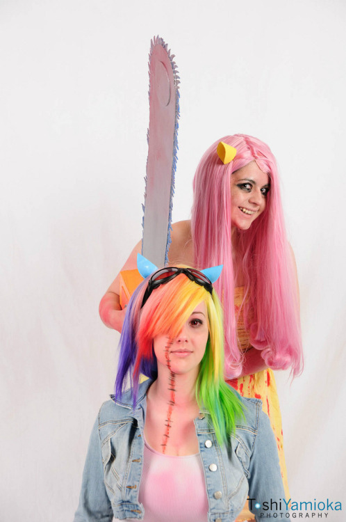 And lastly, a cute cosplay by MORISA9 and K'DAWN! Okay bye!