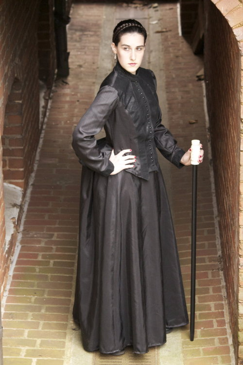 oldschoolphantoms:  Madame Giry by ~SylviaSilver Awesome cosplay of Madame Giry!