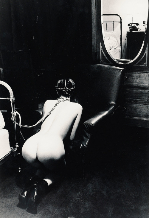 Helmut Newton - Hotel Room, Place de la Republique, Paris (1976)