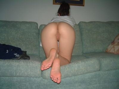 Hot amateur presents on the sofa.