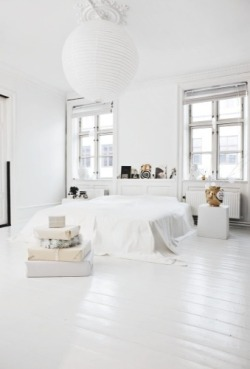 youngwildness:  how i love white rooms