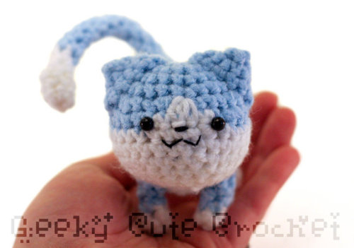 Blue kitty available here.