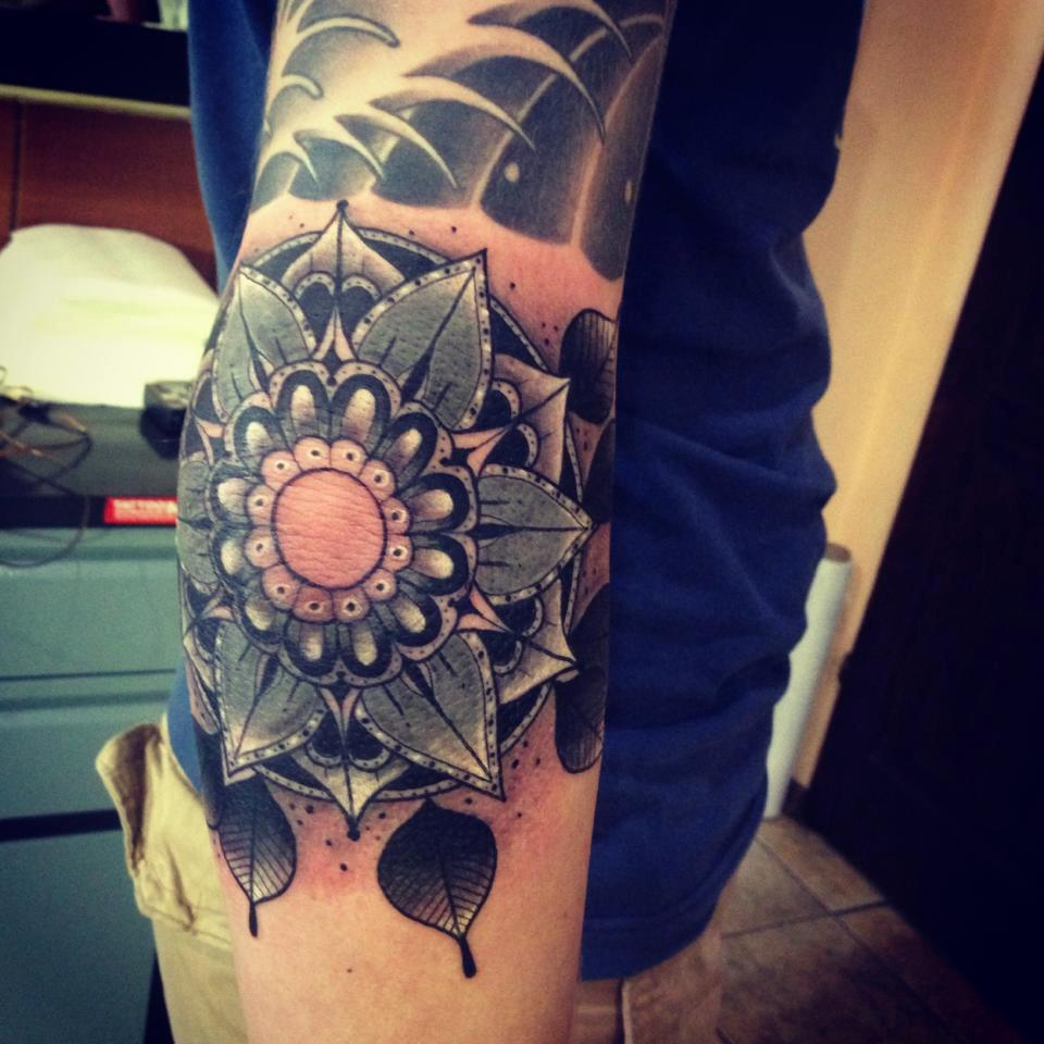 s4rd0nia:  This stunning tattoo was done by Lithuanian tattoo artist Aivaras Lee. I can't handle the shading and linework on this piece. It's gorgeous. Check out their other stuff on their shop's facebook.