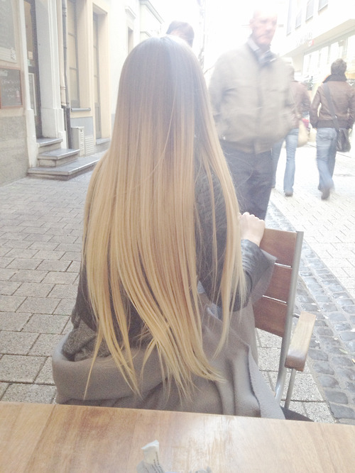 itsonbitch:  it's like the most perfect ombre ever