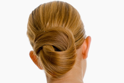 Easy Hairstyles Photo Gallery You can look great in no time! Check out these easy hairstyles for 10 cute looks! Get extraordinary looks for everyday with these buns, braids, and ponytails that have a little something special that sets them apart. Visit our website to get all 10 looks!