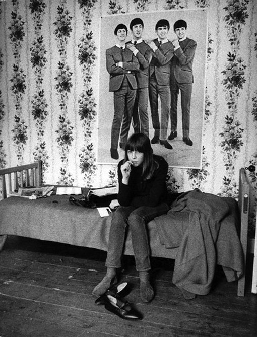 conversadepub:    Beatles fan by Harold Chapman, London, 1960s.