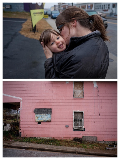 Olive, Sarah and the abandoned pink house on Flickr.Via Flickr: Canon EOS 5D and Canon EF 40mm f/2.8 STM … Amy and I got to see Mike (boyghost) along with his wife Sarah and daughter Olive who visited us earlier this month.