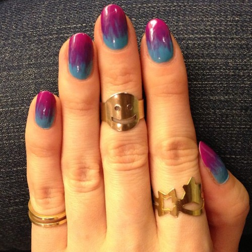 annafestdestiny:  #tiedye #nailart with @deborahlippmann #onthebeach #callmeirresponsible and #betweenthesheets