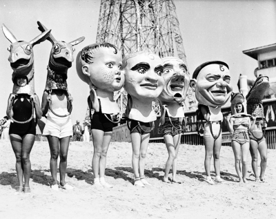 vintagegal:  Women wearing oversized masks at Venice Beach, California, c.1930 (x)  This is frankly upsetting.