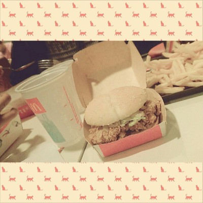 McSpicy for dinner! <3 #mcspicy #mcdonalds #food #foodporn #foodphotography #photooftheday #instafood #bonding #ig #igers #igdaily