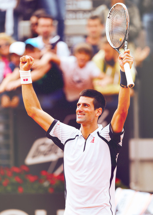 Rome Masters - third round: Novak Djokovic beat Alexandr Dolgopolov 6-1, 6-4 to reach the quarterfinals
