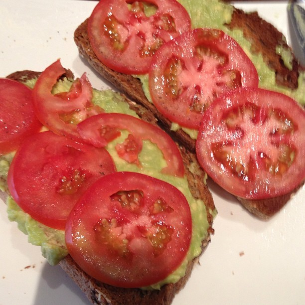 Perfect post run breakkie. Avo & tomato on rye. #postrun #runner #personaltrainer #runningmakesmehappy