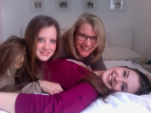 happy family :)) love my sister and my mum!!!