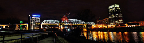 Shelby Street Bridge on Flickr.Half dozen image stitch shot using Nikon D5000, 24mm f2.8 Nikkor-N (non-AI) on a sidewalk rail.