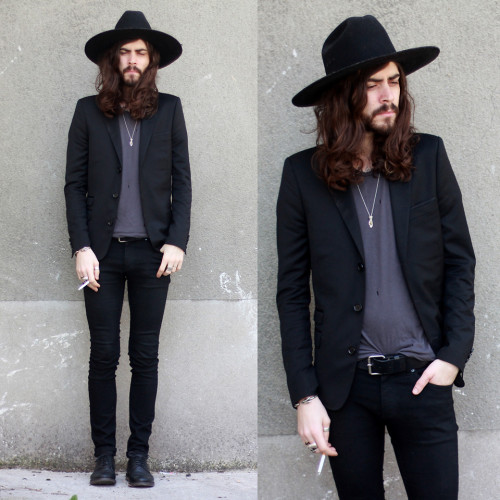 dylanmarie:  boyghost:   deadhomme:   lookbookdotnu:   -sum (by Tony Stone)   Goals   100% husband material A+   OH HEY. HOW YOU DOIN'?