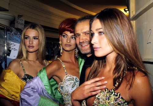 90s Fashion Summit | Karen Mulder, Linda Evangelista, Gianni Versace, and Carla Bruni.