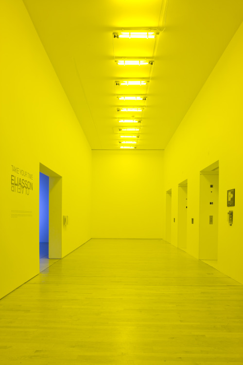 those:  Olafur Eliasson, Room for one colour, 1997. Installation view at San Francisco Museum of Modern Art on the occasion of Take your time: Olafur Eliasson; photo: Ian Reeves, courtesy SFMOMA; © 2009 Olafur Eliasson