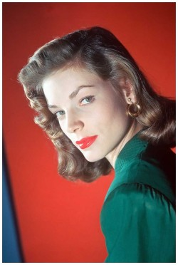 vintagemarlene:  lauren bacall, 1945 (via pleasurephoto.wordpress.com)  If this is a human being…I mean, this is just, the best. Look at that, I kinda have something to be proud øƒ after all. Aspiration to look this awesome—GØ!!!•
