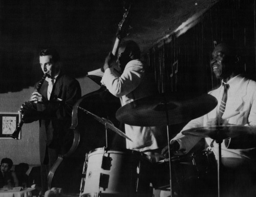 bainer:  Buddy DeFranco, Gene Wright and Art Blakey performing circa 1953 (photo by William Claxton)
