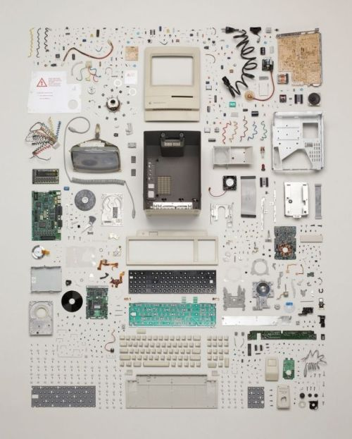 (via A Vintage Mac Turned Into An Exquisitely Beautiful Piece Of Modern Art | Cult of Mac)