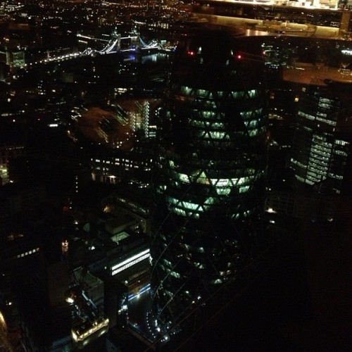 What a cool view #gherkin #famous #london #city #cityview #topoftheworld #cityliving #nightsky #skyline #nightarchitecture  (at Duck & Waffle)