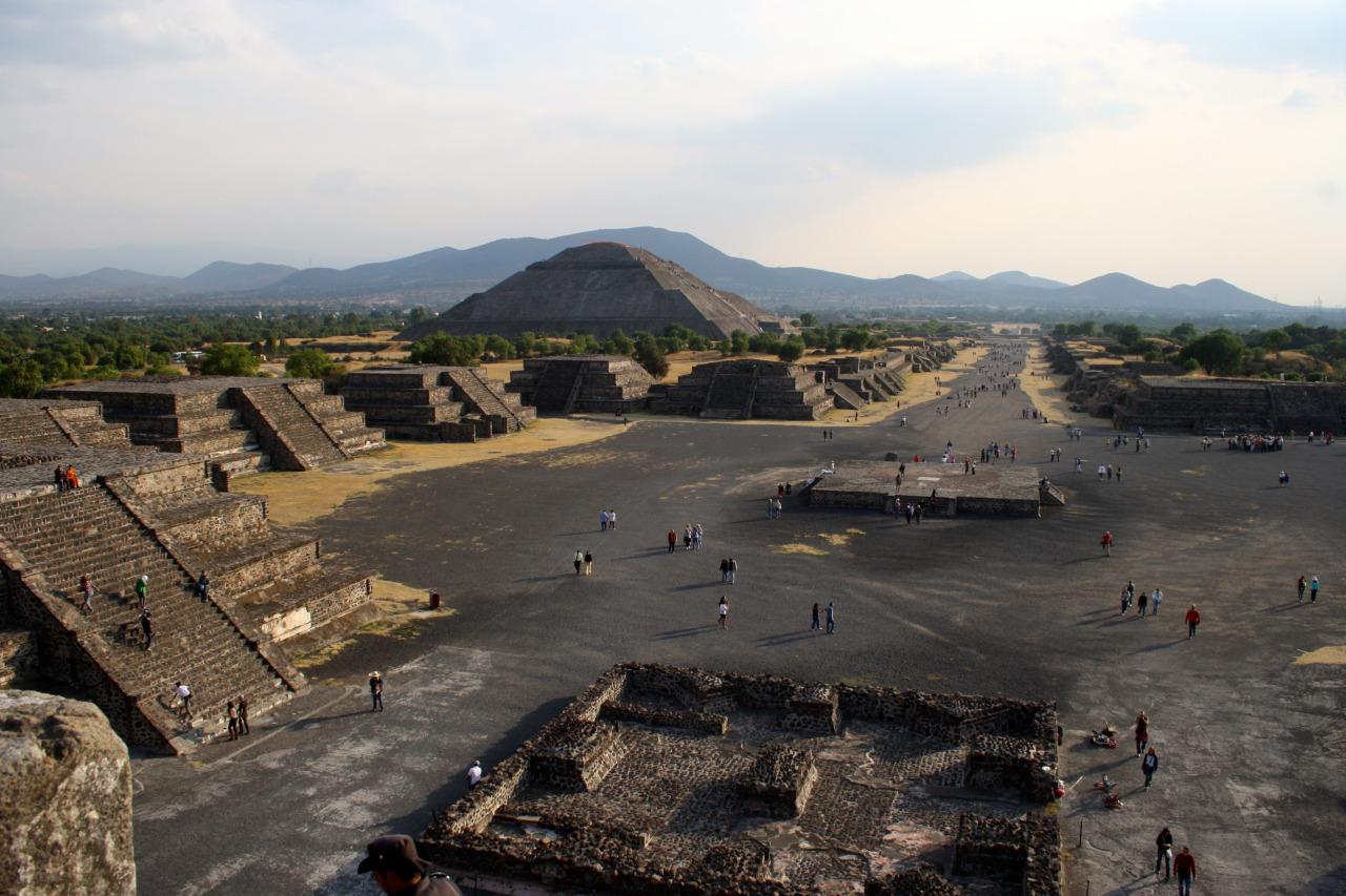 View on the Pyramide of the Sun and the Avenue of the Dead, taken from the Pyramide of the Moon. Teotihuacán, Mexico