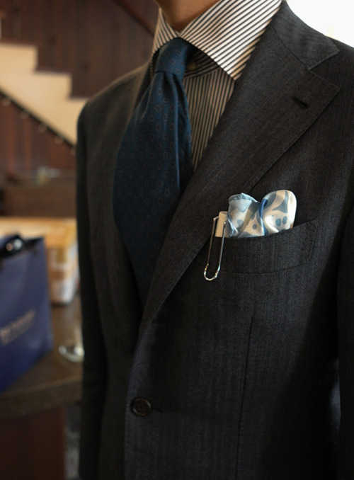 bntailor:  B&Tailor Herringbone Suit B&Tailor Brown Stripe Shirt Fiorio Turquoise 100% Linen Tie At B&Tailorshop  The pen is a Lamy Safari.