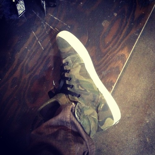 Blending in #skytop #supra #camo #kotd #kicksoftheday #sneakerhead #zumiezkrew (at Westfield West Covina)