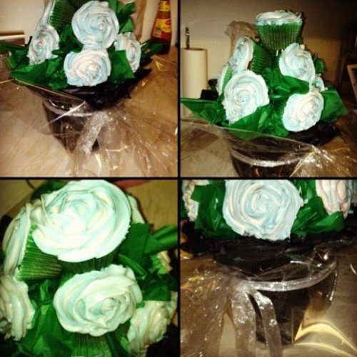 #Cupcake #Bouquet 💐🌹. For orders please call 07966406400 or email info@acupfull.co.uk  All prices and sizes on the website www.acupfull.co.uk   #cake #baking #yum #yummy #ACupFull #food #Foodporn #instafood #sweet #handmade #homemade #creative #iwant #instadaily #instagood #love #photooftheday #follow #wow #amazing #dessert #birthday #birthdaycake #beautiful #igers #flowers  (at A Cup Full HQ)