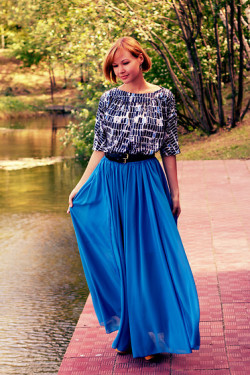 blue skirt (by Lidia ♫♪♫)
