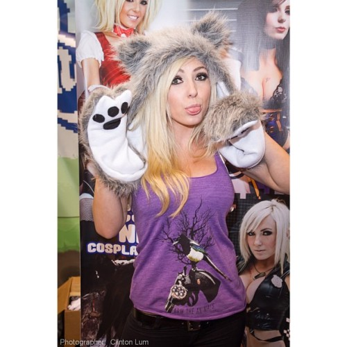 @jessicanigri is so fun to photograph 😃. #wondercon #lumdigital