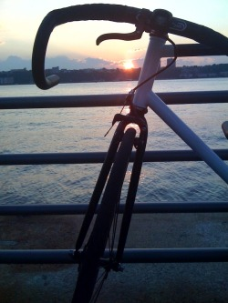 Julianna (my bike), Manu Chao's music and a quiet sunset to end my day..