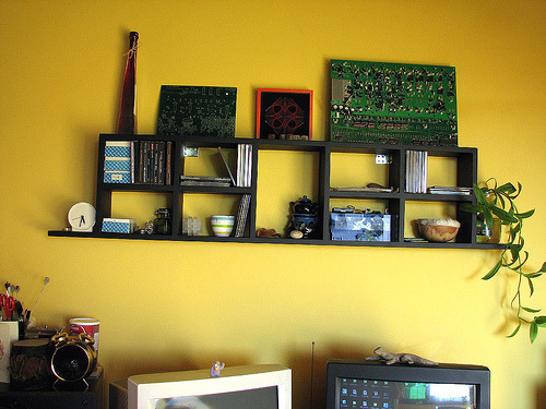 Misused DIY CD shelf (via fibra)