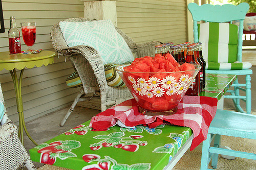 lifeingrace:  A Summer Porch Makeover | The Inspired Room