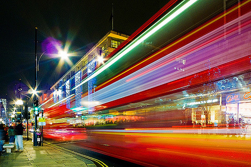 LONDON, ENGLAND - London Oxford Street Light Stream (via tad.ok)