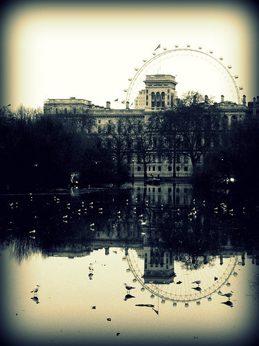 LONDON, ENGLAND - Alternate Reality (011|365) (via MuffinMummy)